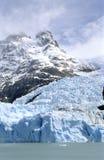 Glacier Spegazzini et un dessus de montagne Photographie stock libre de droits