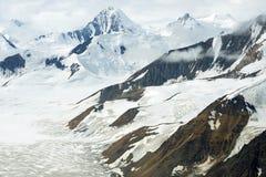 Glaciärer och snöig berg i den Kluane nationalparken, Yukon Royaltyfri Fotografi