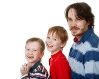 glad familj Fotografering för Bildbyråer