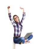 Glad flicka med anteckningsboken Arkivfoto