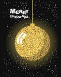 glad jul Guld- julgranleksakboll och snö Fotografering för Bildbyråer
