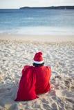 Glad jul i sommar från tropiskt klimat arkivbilder