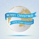 Glad jul, jordsymbol med det röda bandet runt om det, hollyday garnering på vinterbakgrund Hälsningkort, broschyr stock illustrationer