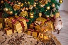 Glad jul och bakgrund för nytt år Arkivbilder
