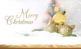Glad jul och begrepp för lyckligt nytt år, Closeup Christmasbal Royaltyfria Foton