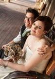Glad kvinnlig att gifta sig partners Arkivbilder