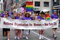 glad nyc för marchers ståtar nu stolthet Fotografering för Bildbyråer