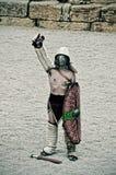 Gladiador en la arena del anfiteatro romano de Tarragona, España Fotos de archivo