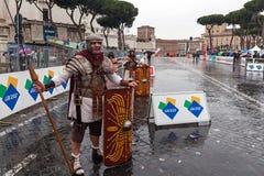 Gladiadores romanos en el maratón Imagenes de archivo