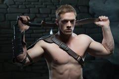 Gladiator με την τοποθέτηση ξιφών Στοκ φωτογραφίες με δικαίωμα ελεύθερης χρήσης
