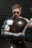 Gladiator mit Schild und Klinge Lizenzfreie Stockfotografie