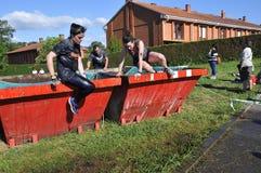 Gladiator Race - extreem hindernisras in La Fresneda, Spanje stock afbeelding