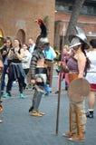 Gladiatoren bij oude Romeinen historische parade stock afbeeldingen
