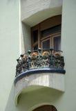 gladlynt balkong Arkivbild