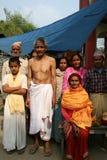 gladlynt familj hinduiska nepal arkivfoto