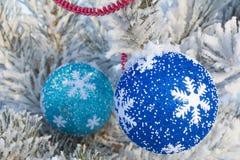 Gladlynt ferie av jul lyckligt nytt år Lyckönskan och gåvor Jul vinter, snö Royaltyfria Foton