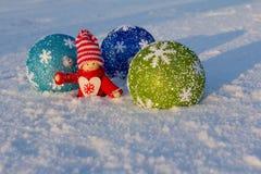 Gladlynt ferie av jul lyckligt nytt år Lyckönskan och gåvor Jul vinter, snö Arkivfoton