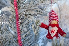 Gladlynt ferie av jul lyckligt nytt år Lyckönskan och gåvor Jul vinter, snö Royaltyfria Bilder