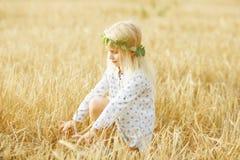 gladlynt flicka little royaltyfri fotografi