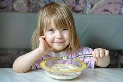 gladlynt frukost Fotografering för Bildbyråer