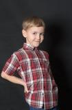 gladlynt pojke Fotografering för Bildbyråer