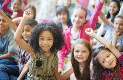 Gladlynt variationsbegrepp för skolbarn royaltyfri bild