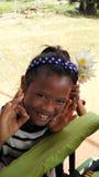 Gladlynta fattiga Cambodja barn arkivfoto