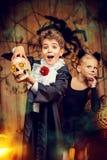 Gladlynta halloween barn Arkivfoto