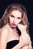 Glamorös modemodell Woman fotografering för bildbyråer