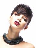 Glamorös ung kvinna - stilfull modemodell Royaltyfria Bilder