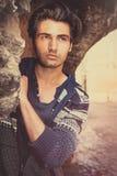 Glamourous młody człowiek w ulicie - Włoski stary miasto zdjęcie royalty free