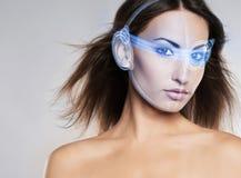 Glamourportret van jonge en aantrekkelijke vrouw met make-up en r royalty-vrije stock foto
