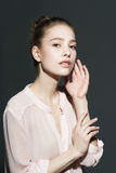 Glamourportret van mooi vrouwenmodel met Royalty-vrije Stock Foto's