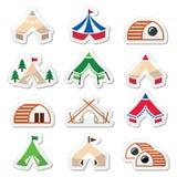 Glamping, luxueuze het kamperen tenten en de pictogrammen geplaatste van bambuhuizen Royalty-vrije Stock Foto's
