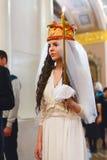 Gland : jeune mariée dans la robe de mariage Image libre de droits