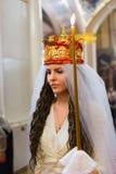 Gland : jeune mariée dans la robe de mariage Photographie stock libre de droits