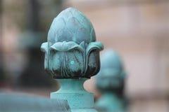Gland oxydé devant la façade de brique image libre de droits