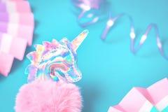 Glanzend holografisch zacht stuk speelgoed eenhoornhoofd stock afbeeldingen
