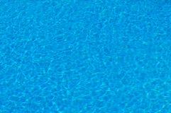 Glanzend water in het zwembad royalty-vrije stock foto