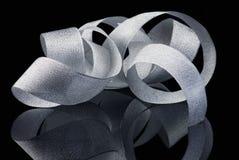 Glanzend zilveren lint stock foto's