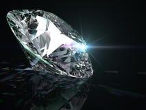 Glanzende diamant op zwarte achtergrond Stock Afbeeldingen