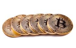 Glanzende geïsoleerde de muntstukkenrij van Bitcoin souvenire Royalty-vrije Stock Foto's