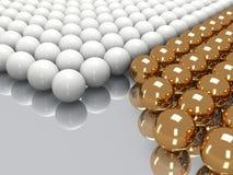 Glanzende gouden en witte ballen Royalty-vrije Stock Foto's