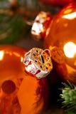 Glanzende heldere koper gekleurde Kerstmisballen Stock Afbeelding