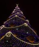 Glanzende Kerstboom in openlucht Stock Afbeelding