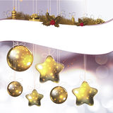 Glanzende ornamenten en lichten voor heilige Kerstmis Stock Fotografie