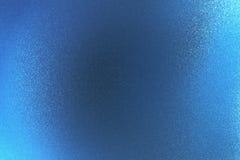 Glanzende ruwe blauwe metaalmuur, abstracte textuurachtergrond stock afbeelding