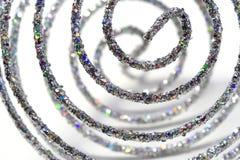 Glanzende zilveren spiraal; Kerstmis ornament Royalty-vrije Stock Afbeeldingen