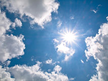 Glanzende zon Stock Afbeelding