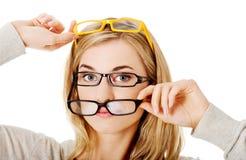 glasögon som slitage kvinnabarn Arkivbilder